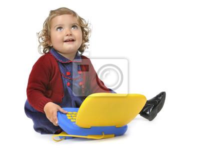 Jugando кон-эль ordenador INFANTIL.