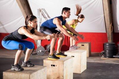 Картина Прыжки упражнения в тренажерном зале