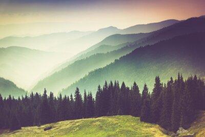Картина Слои горы и туман в долинах.