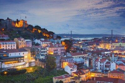 Картина Лиссабон. Изображение Лиссабон, Португалия во время сумерки синий час.