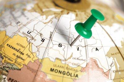 Картина Место России. Зеленый контактный на карте.