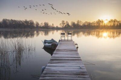 Картина łódka zacumowana Зима у drewnianego pomostu