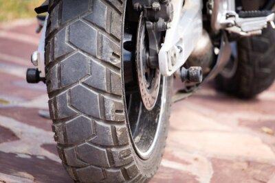 Картина металлические детали на мотоцикле