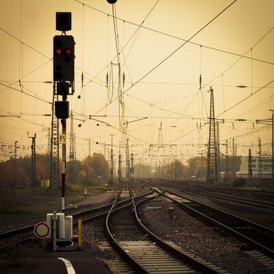 Картина Мобильная фотография тон заблуждение железнодорожных путей сумерки