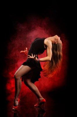 Картина Современный стиль танцор, создавая на темном фоне