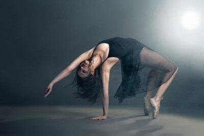 Картина Современный стиль танцор, создавая на сером фоне