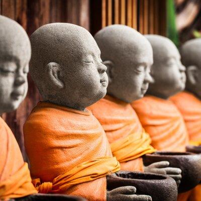 Картина Монах статуя держит чашу