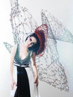 Картина чистая женщина в монохромном платье
