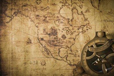 Картина старая карта с компасом