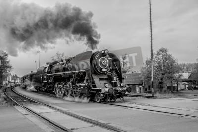 Картина Старый паровоз в черно-белом варианте