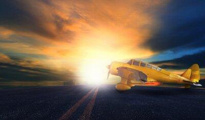 Картина старый желтый винт самолета на взлетно-посадочной полосы с закат небо BAC