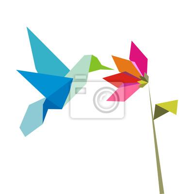 Оригами колибри и цветы на белом