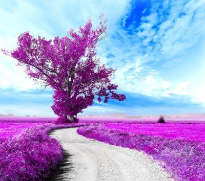 Картина Paisaje surrealista. Arbol y camino entre los campos