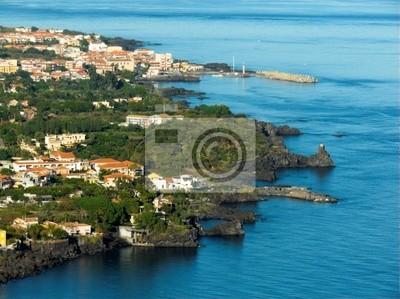 Панорама антенны на море и дом деревне лимонов