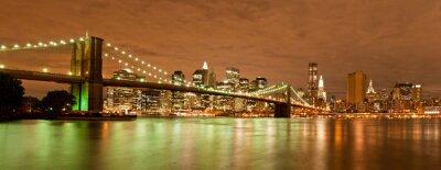 Панорама Манхэттена и Бруклинский мост ночью