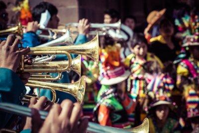 Картина Перуанские танцоры на параде в Куско.
