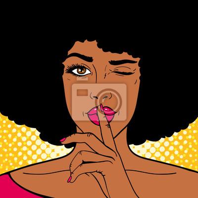 Лицо поп-арта. Молодая сексуальная женщина афро-американских проводит указательный палец в рот как знак молчания и подмигивает на фоне точек. Векторная иллюстрация в стиле ретро комикс. Праздничный пр