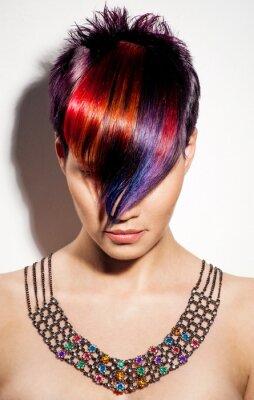 Картина Портрет красивая девушка с крашеными волосами