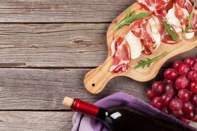 Картина Прошутто и моцарелла с красным вином