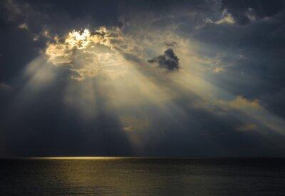Картина Raggi ди Luce Sul Mare Attraverso ле Nuvole