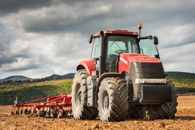 Картина Красный трактор.