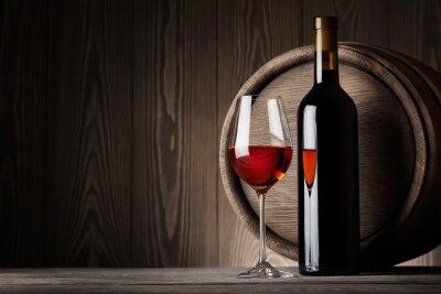 Картина Красное вино в стакан с бутылкой