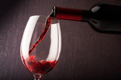 Картина Красное вино льется