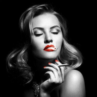 Картина Ретро Портрет красивая женщина с сигаретой