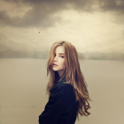 Картина грустно битник девушка на открытом воздухе