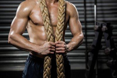 Картина Shirtless человек с боевой веревкой вокруг шеи