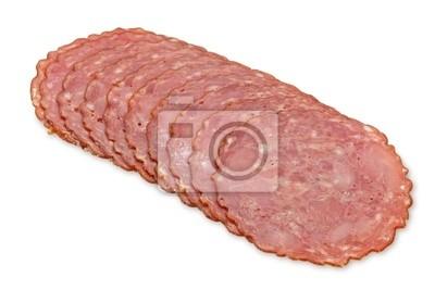Копченая колбаса срез, изолированных на белом фоне
