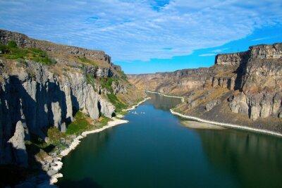 Картина Снейк-Ривер и ее каньон, как видно из шошонов Водопад вблизи Твин-Фоллс, штат Айдахо