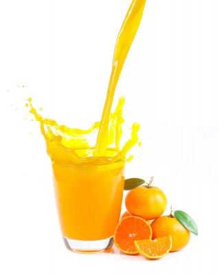 Картина брызг апельсиновый сок с апельсинами на белом фоне