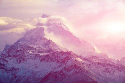 Картина восход солнца в горах