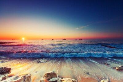 Картина Восход солнца над морем