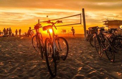 Картина закат пляжный волейбол на пляже Венеции