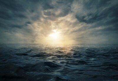 Картина Закат на бурном море