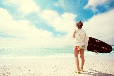 Картина Серфер девушка на пляже