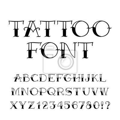 Татуировка шрифта. Урожай стиль алфавит. Буквы и цифры на белом фоне. Векторный шрифт для вашего дизайна.