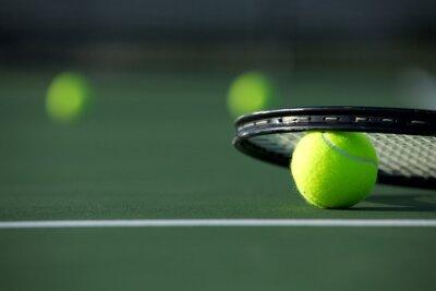 Картина Теннисный мяч и ракетка