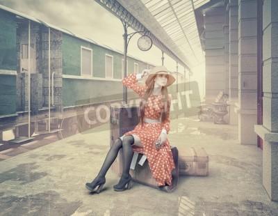 Картина Девушка сидит на чемодане, ожидая на ретро-вокзале. Стиль старинных цветных карт