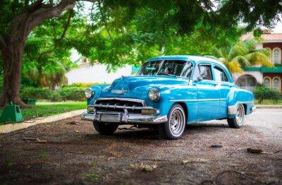 Картина Старый автомобиль на Кубе