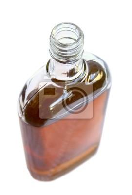 Открытая бутылка с алкогольным напитком