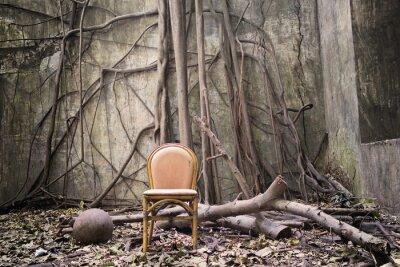 Картина Корни, старый стул и разрушенной стены