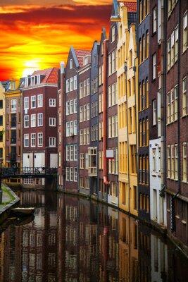 Картина Традиционные старые здания в Амстердаме