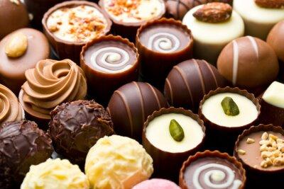 Картина разнообразные шоколадные конфеты