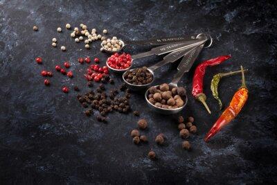 Картина Различные виды перчинки и перец чили