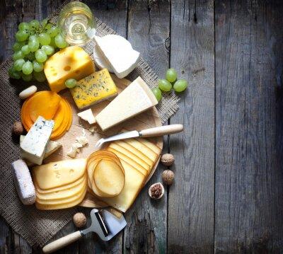 Картина Различные виды сыра с пустым пространством фоне концепции