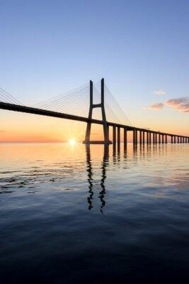 Картина Васко да Гама мост, восход солнца в Лиссабоне