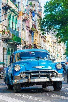 Картина Vintage american car on a street in downtown Havana